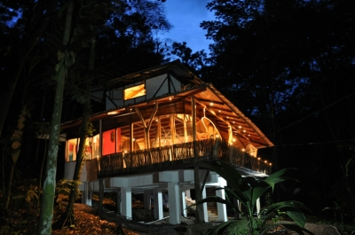 El Arbol - Luxury Jungle House with Jacuzzi!