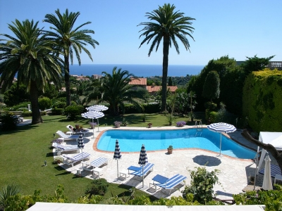 Absolutely Spectacular 5BR w Superb Panoramic View