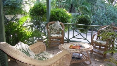 Idyllic Garden Villa, One Minute Walk to the Beach