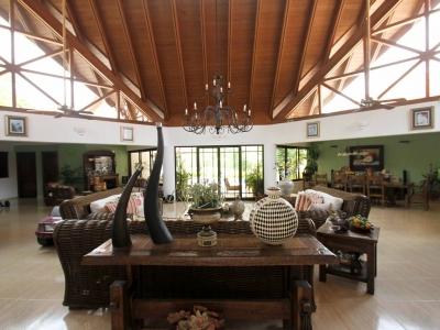 Impressive, Luxury 4BR Villa in Golfer's Paradise!