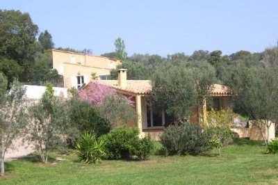 Villa with Pool, Close to Santa Giulia Beaches