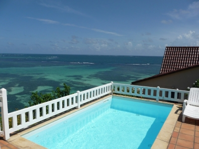 Luxe 3BR Waterfront Villa w/ Direct Access to Sea!