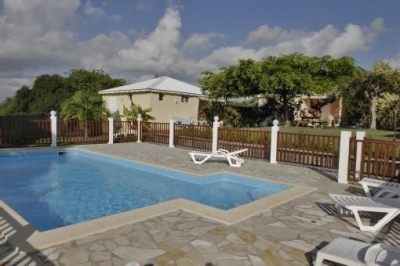 Tropical Bungalows with Pool in Saint Francois