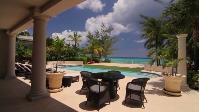 Luxury Condo on Seven Mile Beach, Sleeps 10 to 20