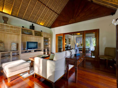 Luxury Villa Photo #10