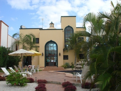 Villa Encantamar - Steps Away from the Blue Waters