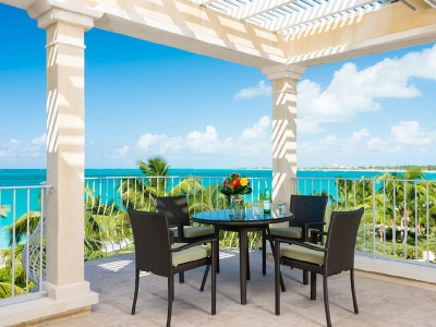 3rd Floor Deluxe 3 Bedroom Villa #308 (sleeps 6-7)