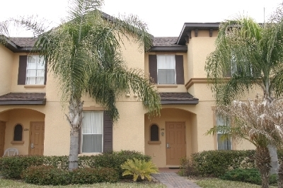 R614TERRA----Lovely Townhouse Is Close To All!