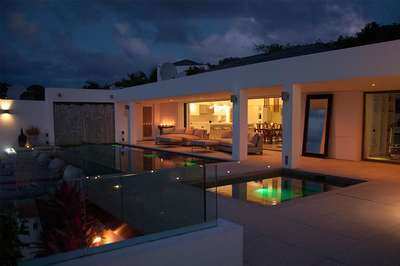 Luxury Villa Photo #18