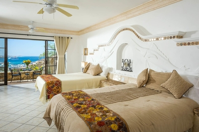 Feel at peace and unwind when you sleep in the rooms at Villa Golden Dome