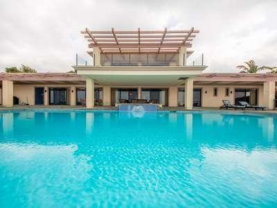 Fabulous 7 Bedroom for 17 Ocean View Pool Estate!
