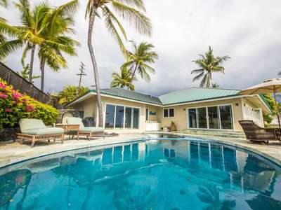 Gorgeous Oceanfront 5 Br Pool Home!