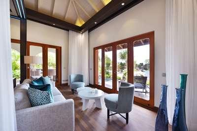 Superior Beachfront Pool Suite