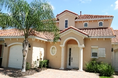 T516BD----Gorgeous Townhouse In Gated Community!