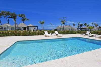 3 Bedroom Oceanview Villa #12|Ocean Village Deluxe