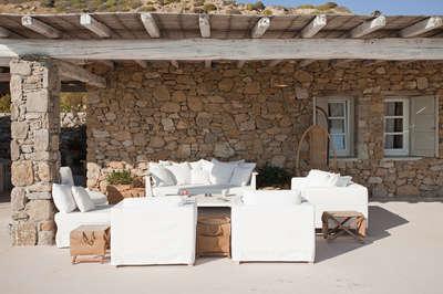 Villa Sandstone