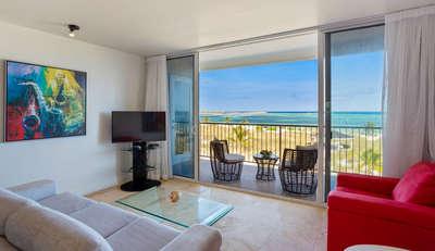 Deluxe Beachfront   2 Bedrooms