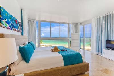 Corner Beachfront | 2 Bedrooms