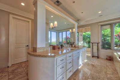 Luxury Villa Photo #28