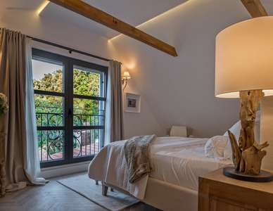 Luxury Villa Photo #36