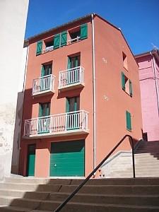 Grenache & Carignan: Port-Vendres Apartments