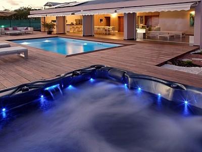 Luxurious villa rentals La Coulee Bleue