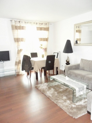 2 Bedrooms, Sleeps 6 in Paris/Neuilly sur Seine