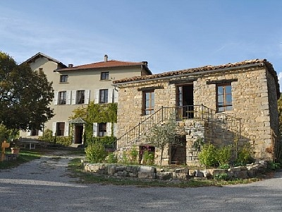 Holiday cottages in Montjay. The relay Baronnies