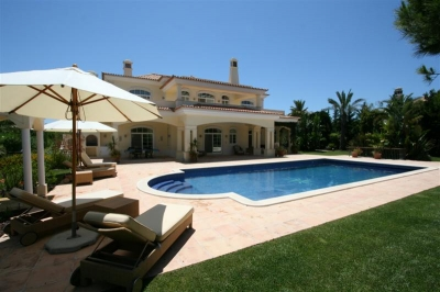 Spectacular 5BR Villa in Quinta do lago (EAV-110)