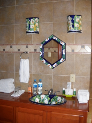 Trre Suite bath with walk-in shower