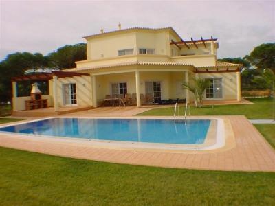 New 4BR Villa on Vila Sil GC (EAV-105)