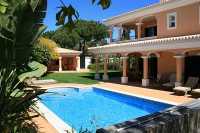 Spacious 4BR villa near Encosta do Lobo (EAV-113)