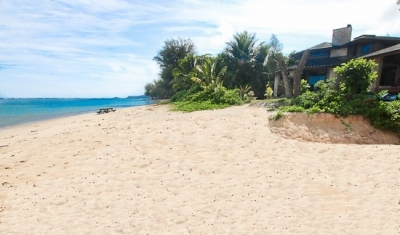Beautiful Beachfront Estate for 20 on Anini Beach!