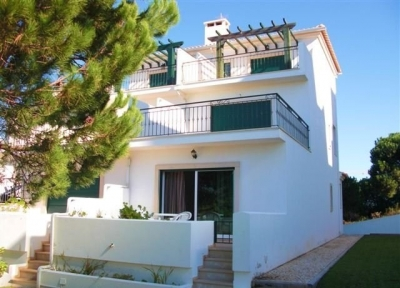 3 Bedroom Townhouse for rent in Acoteias (EAV-622)