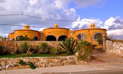 Casa de Las Cupulas