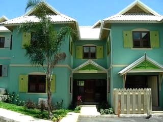 ELEGANT 4 BED TOWN HOUSE IN OCHO RIOS