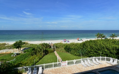 LaPlage #2, Beachfront - Spacious 4 BR/3 BA