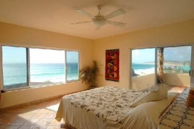 East Cape Solar-Powered Beach House -Las Vinoramas