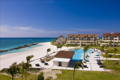 Luxury 1st Line 3 BR Beach Apartment in Cap Cana