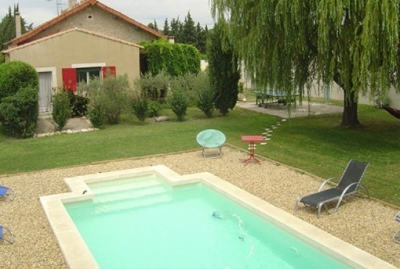Charming Sunny Villa with Pool in Central Provence