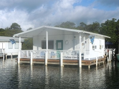 Cozy 2 BR - 2 Balcony Stilt House on The Water!!