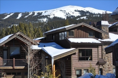 Luxe 5BR Chalet - Ski-In/Ski-Out w/ Hot Tub & View