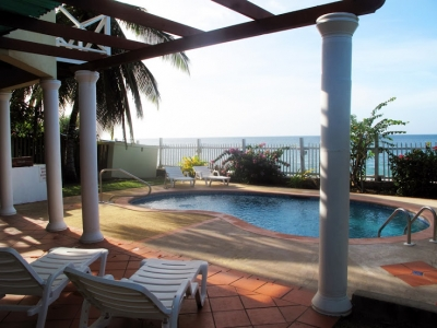 Hibiscus - Airy 4BR Luxury Beachfront Villa