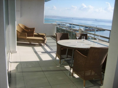 Luxurious Penthouse on Mackenzie Beach