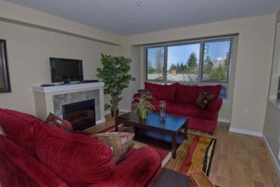 Bayview 201 - Parksville 2 Bedroom and Den