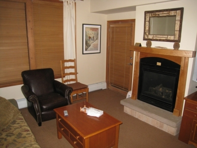 Zephyr Mountain Lodge - Only True Ski-in/Ski-Out!