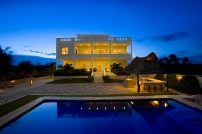 Full Service Ocean Front Villa with Private Pool