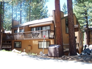 Remodeled South Lake Tahoe Townhome, sleeps 6