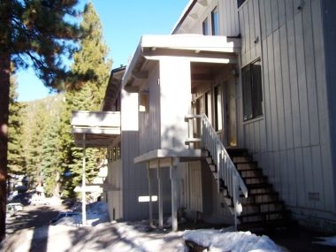 Lovely 3-Bedroom Condo, Close to Diamond Peak