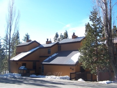 Cozy 4-Bedroom Condo Near Tahoe City
